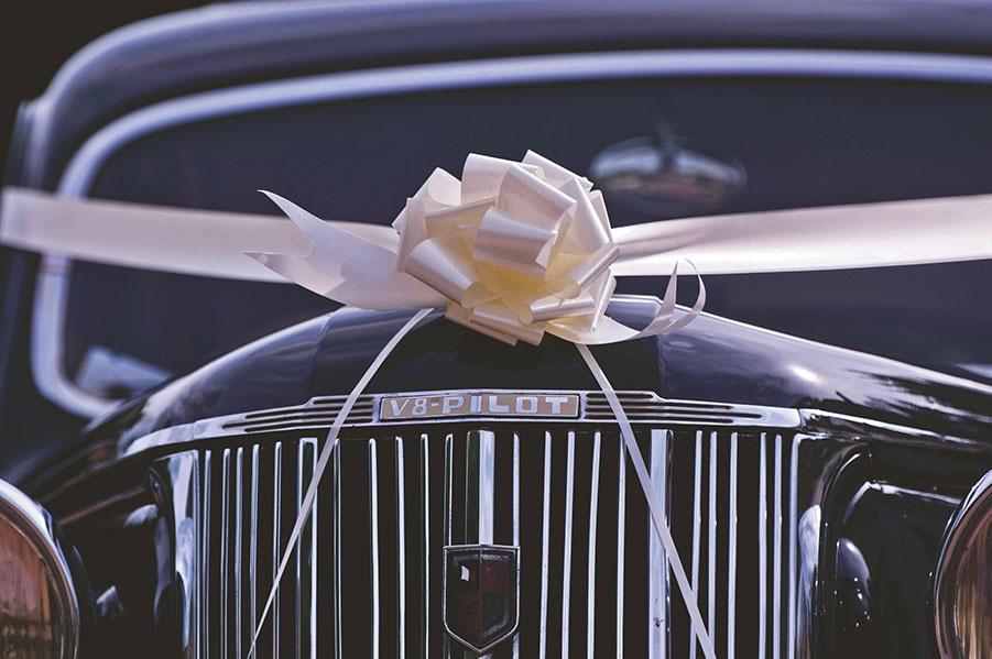 Best Ways to Decorate Wedding Limousines