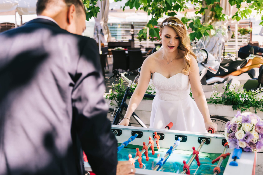 3 reasons to book a magician for your wedding